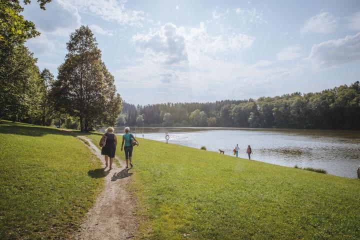 Read more about the article Radeln und Baden im Voralpengebiet –  Ausflugsziele im Landkreis Landsberg am Lech